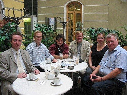 S:t Petersburg 2006. Från vänster: Alexander Vigandt (Jabloko), jag, Konstantin Goloktev (Jabloko), Charles Kennedy (Libdems, fd partiledare), Libdems internationella sekreterare vid tillfället (namnet har fallit bort) och Bengt Sand (FP).