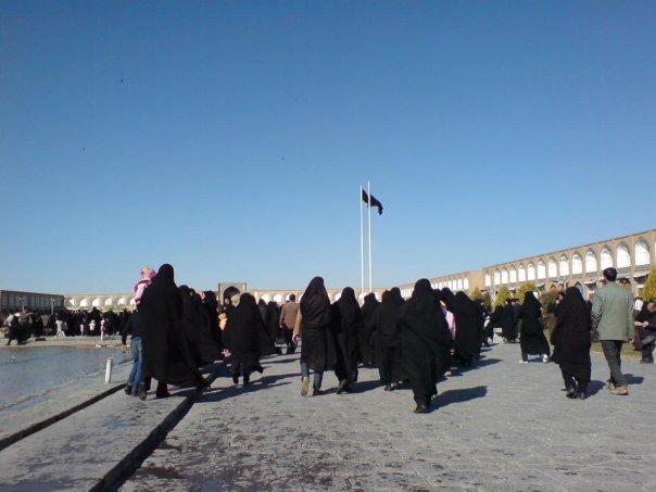 Skuggor som sveper över Imam Khomeinitorget i Esfahan
