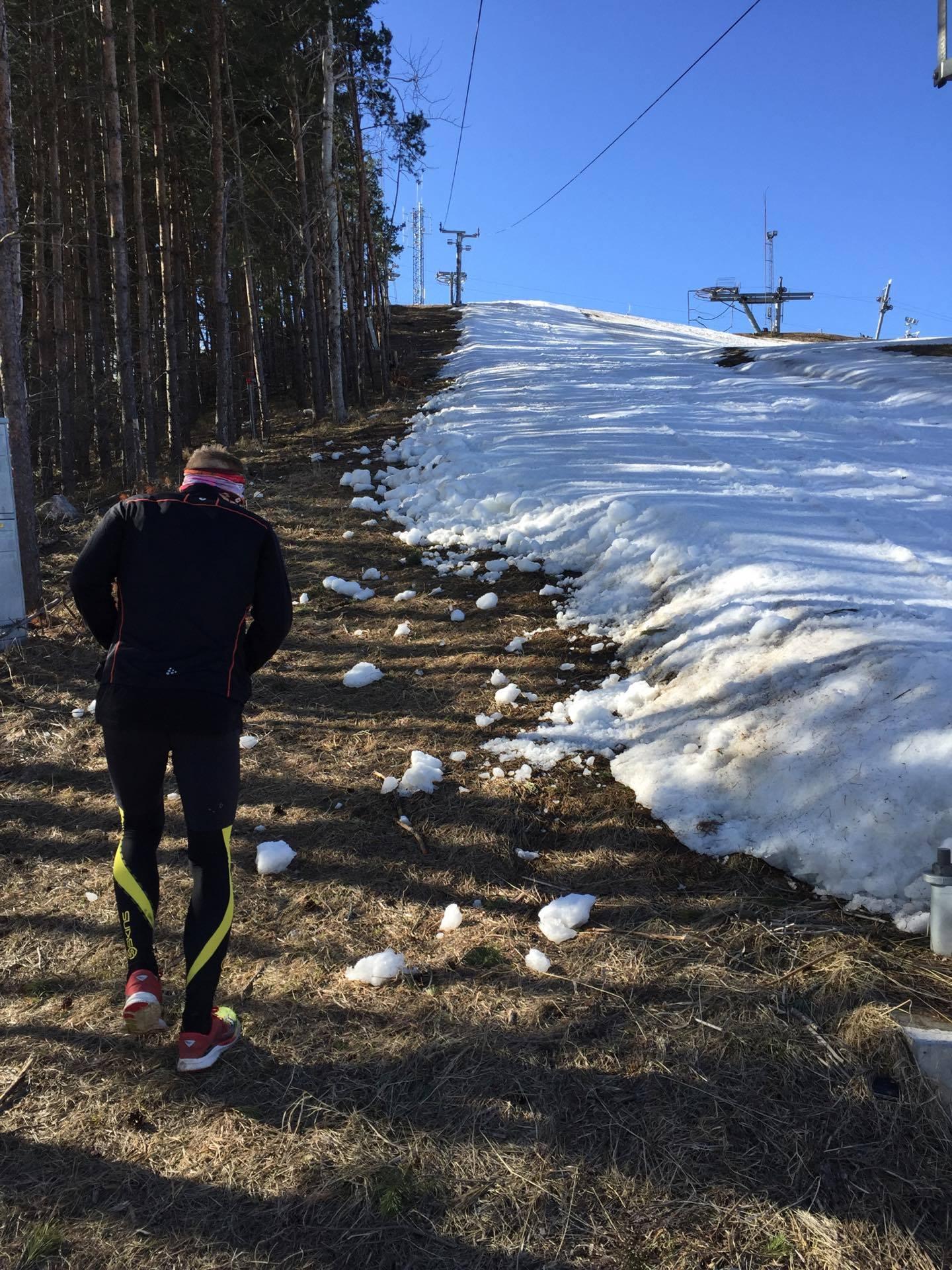På väg upp för Väsjöbacken med ungefär 52,7 km tillryggalagt.